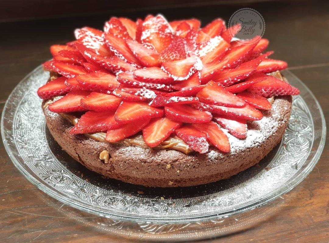Torta De Brownie Con Frutillas Apto Para Celíacos Smiley Belly